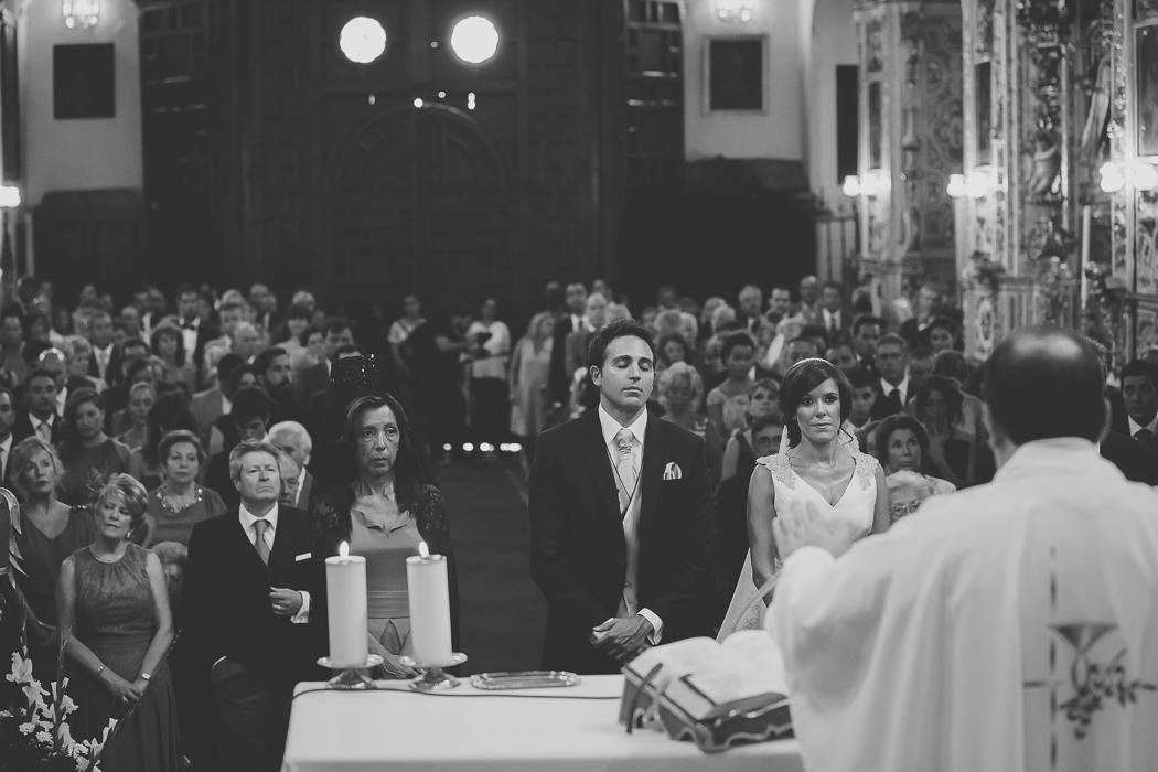 boda_granada_iglesia_santa_ana_palacio_cordova-039