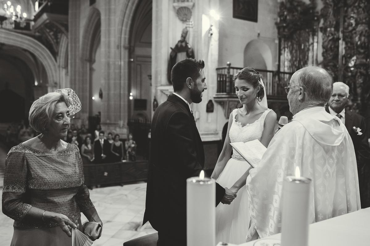 boda_iglesia_santo_domingo_torre_del_rey_borraja-075