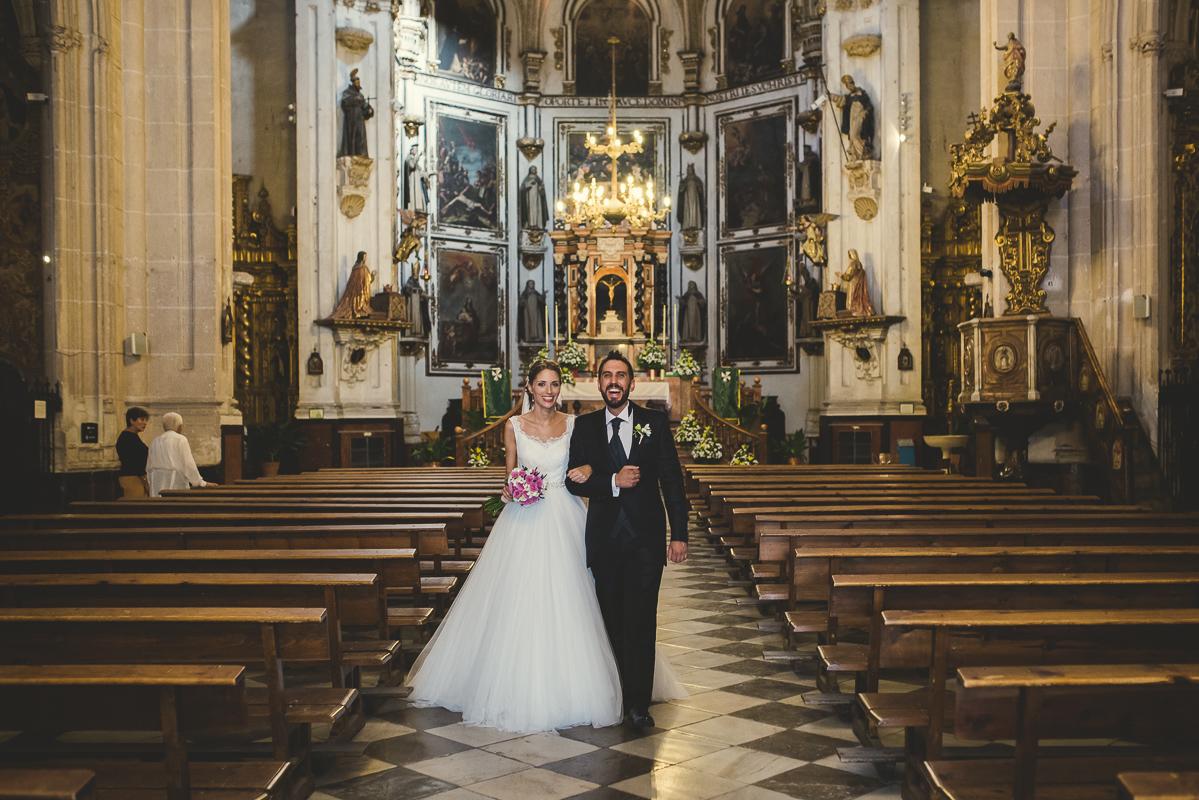 boda_iglesia_santo_domingo_torre_del_rey_borraja-083